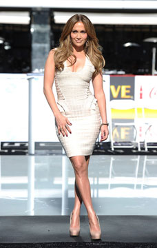 Celebrity Style Spotting:Jennifer Lopez Rocks    Brumani and Bavna Gems!
