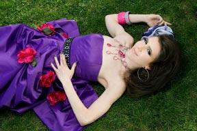 "Indie singer Kimberly Korn Drops New Video: ""Broken Inside"""