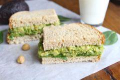 smashedchickpea-avocadosandwich