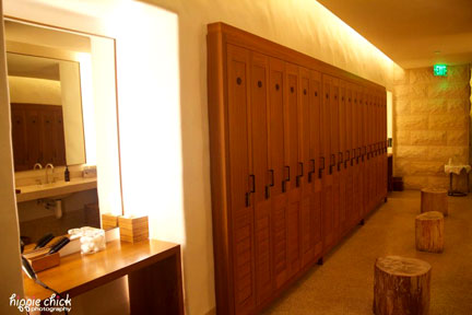 spa-locker-room