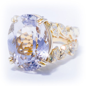 Handmade 17 Carats Morganite Flowing Lines Ring