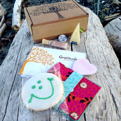 gratitude-box-laid-out