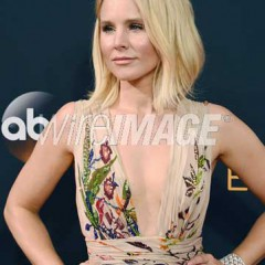 2016 Emmys Show and It's Celebs Sparkle– Just Like Their Jewelry Does … with Platinum!