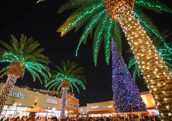 The Citadel Outlets Gets into Xmas:  World Record-Setting Holiday Display!