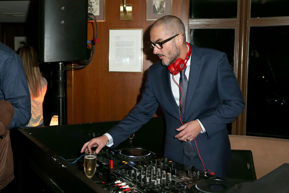 DJ-Zane-Lowe-from-Beats-1-a