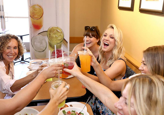 Kaley-Cuoco-for-Panera-Brea
