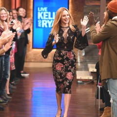 "Actress Heather Graham Visits  ""Live with Kelly + Ryan"" in Tadashi Shoji Dress!"