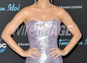 Katy Perry  Sparkles in  ROMONA KEVEŽA COLLECTION on ABC's American Idol!