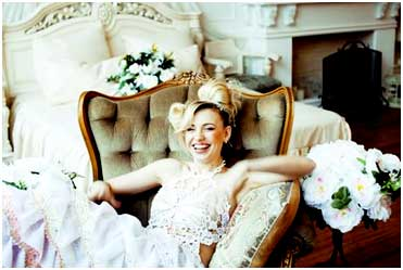 bride-in-chair