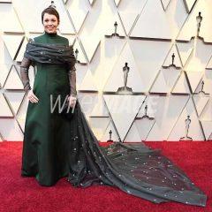 Celebrity Makeup Artist Sarah Uslan Gives  Olivia Colman the Oscar Glow!