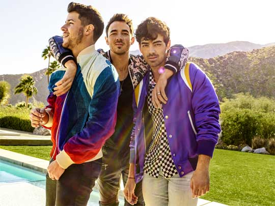 The Jonas Touch = Gold! Jonas Brothers Back at the top of the Charts!